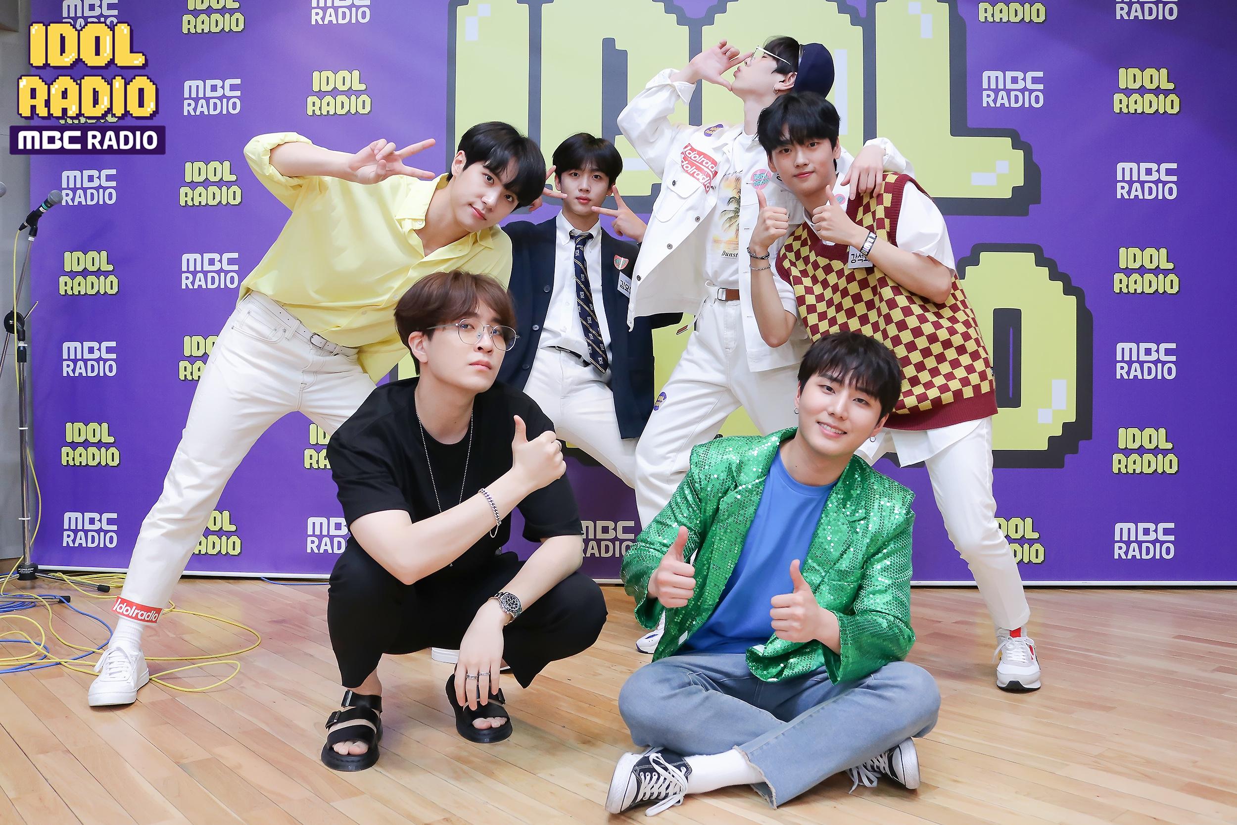 OUI Boys Kim Yohan, Kim Donghan, Jang Dae Hyeon and Kang Seok Hwa with Idol Radio DJs, Youngjae and YoungK
