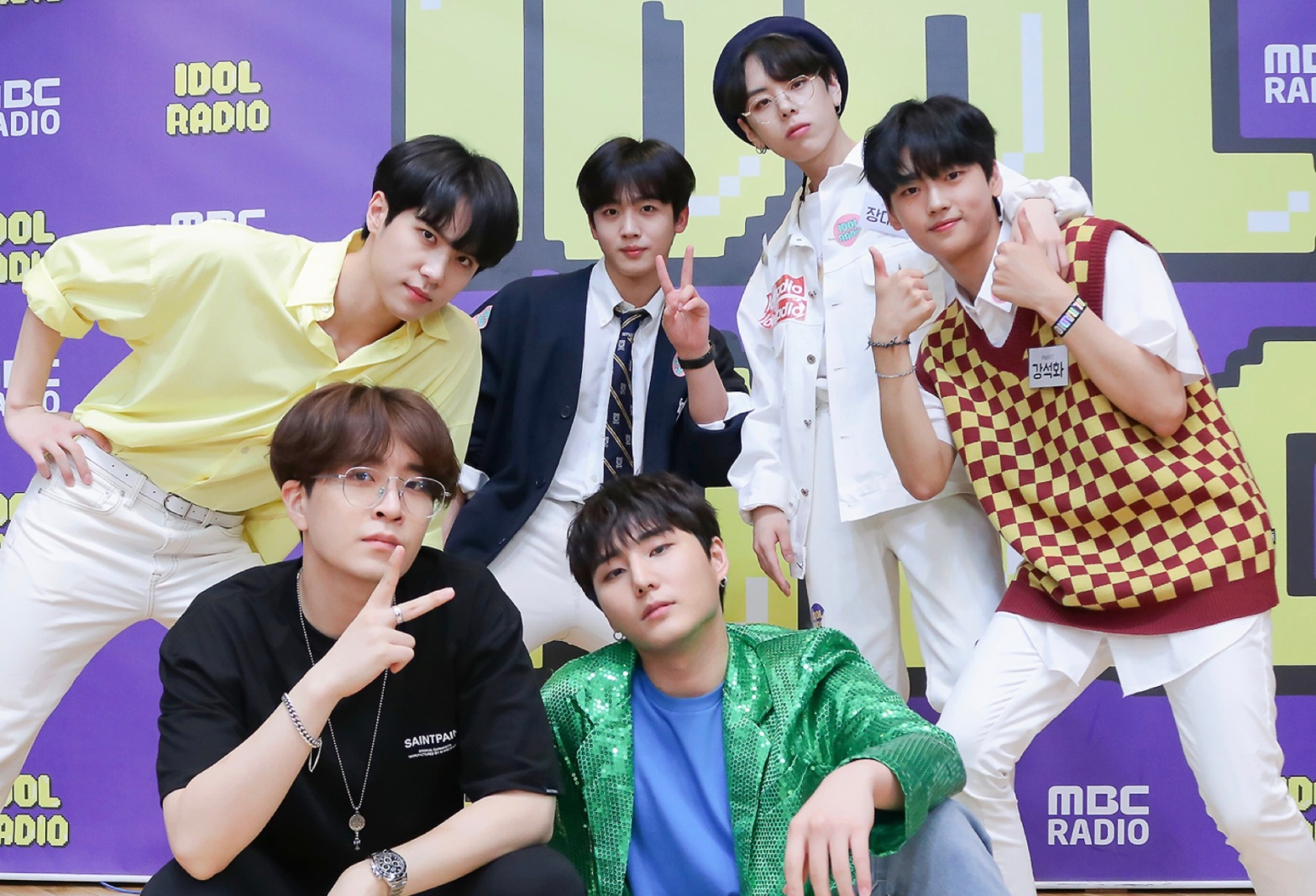 OUI Boys Kim Yohan, Kim Donghan, Jang Dae Hyeon and Kang Seok Hwa with Idol Radio DJs, Youngjae and YoungK