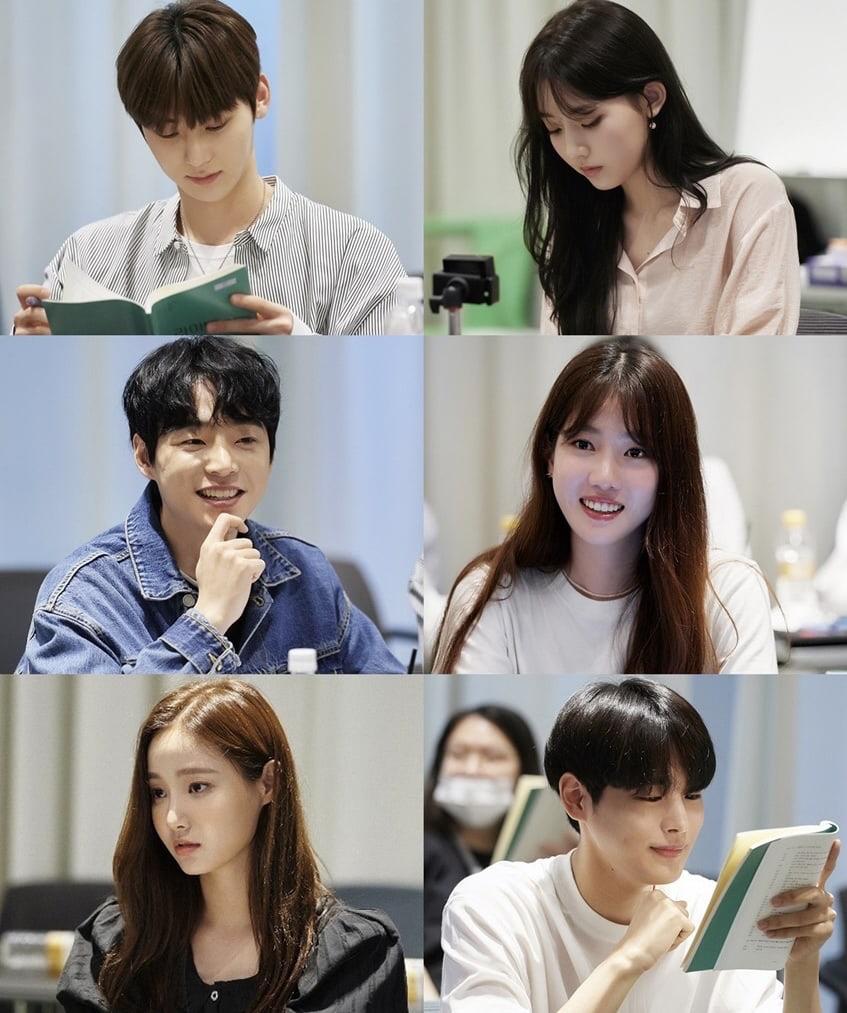 Cast of JTBC's Live On 라이브온 script reading.